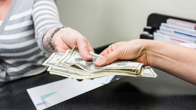 Зачем выставлять претензию на возврат денег