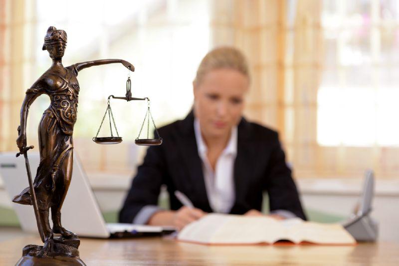 Как может помочь юрист