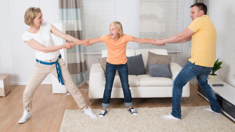 С кем жить ребенку: основные аргументы и правила